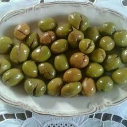 3 kg Yeşil Zeytin Bidon