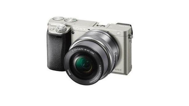 Sony Alpha A6000 Fotoğraf Makinesi